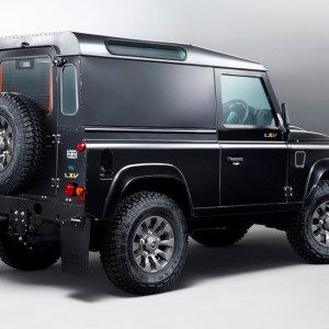 Land Rover Defender осталось два года