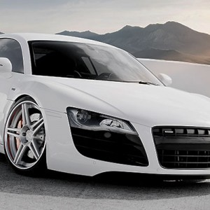 McLaren поспорит за клиентов с Audi R8